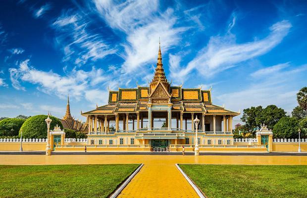 ผลการค้นหารูปภาพสำหรับ Royal Palace Of Phnom Penh phnom penh